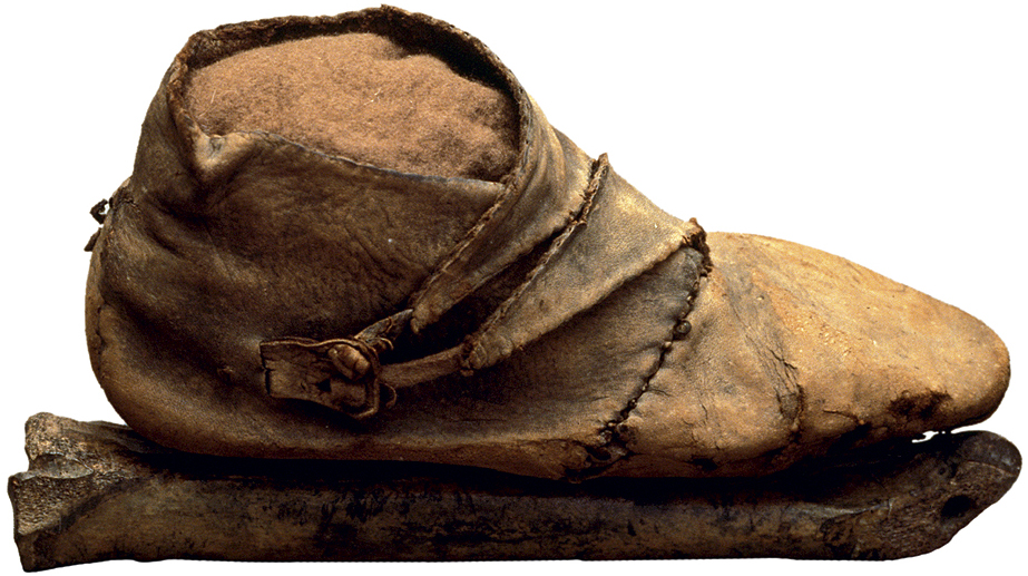 48513d77840 Footwear: Shoe, Boot, Slipper, Patten in: Clothing the Past ...