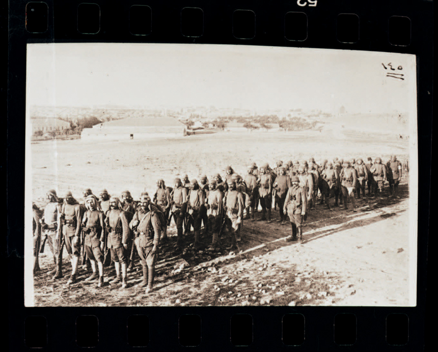 5 different The photographs were taken by a British soldier in Israel at the time. 1917 vintage Jerusalem photographs