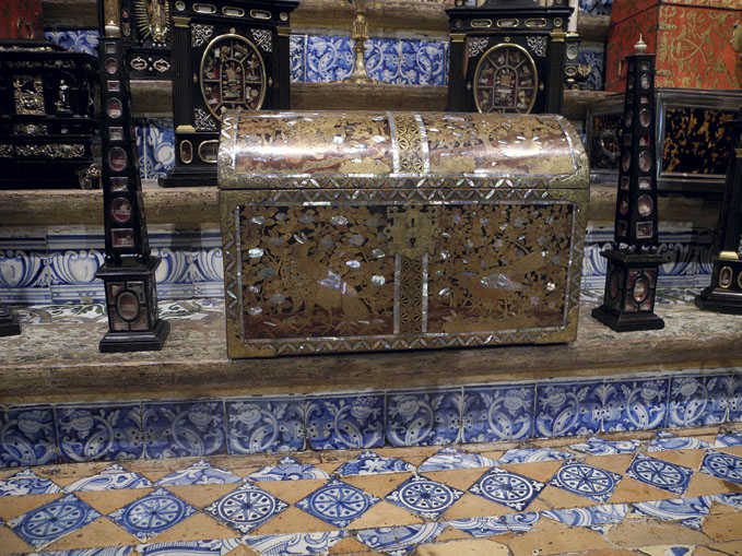 Surfaces for Reflection: Nanban Lacquer in the Iberian World